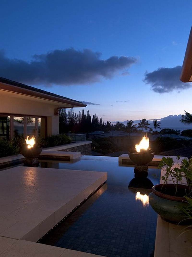 Amazing-Outdoor-Fire-Pits-in-Pool-Decor