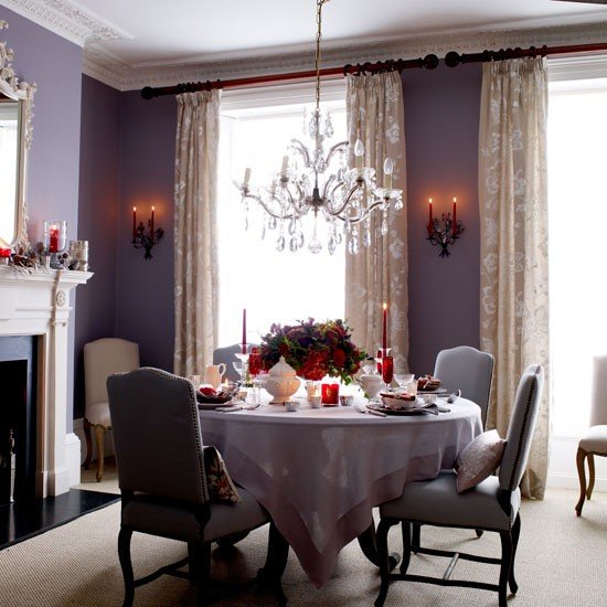 Classic-purple-Christmas-dining-room