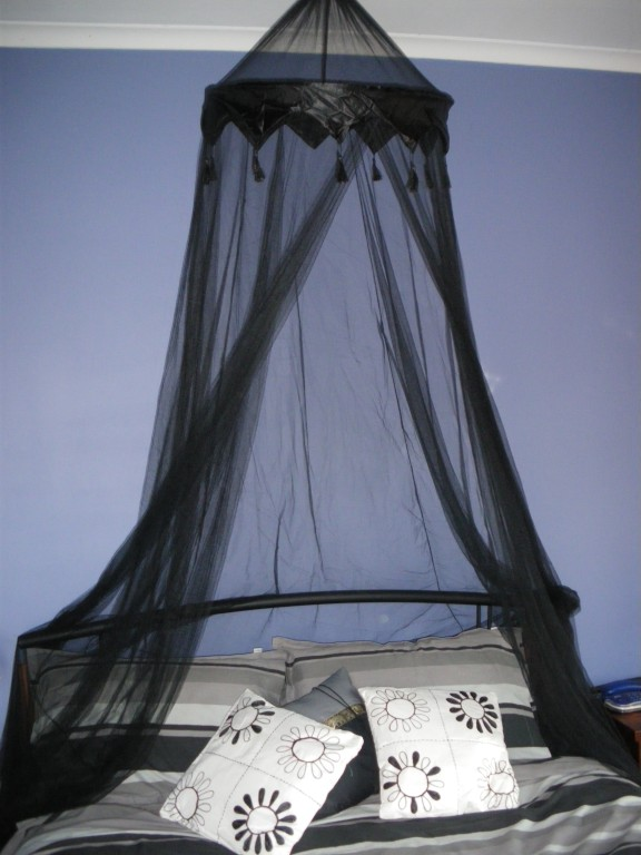 Black four poster bed canopy ideas