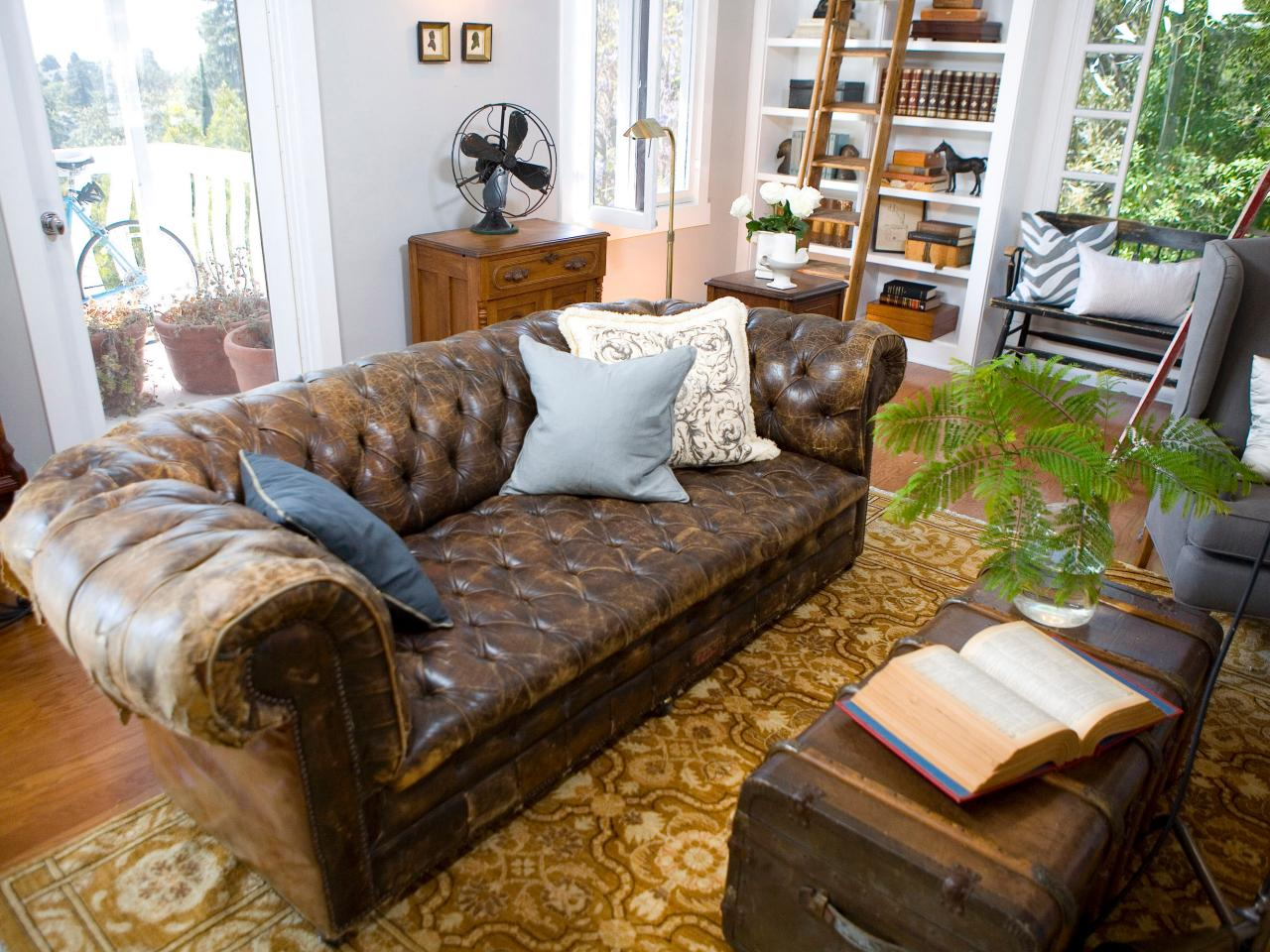 Living-Room-Leather-Sofa-Trunk-Coffee-Tables