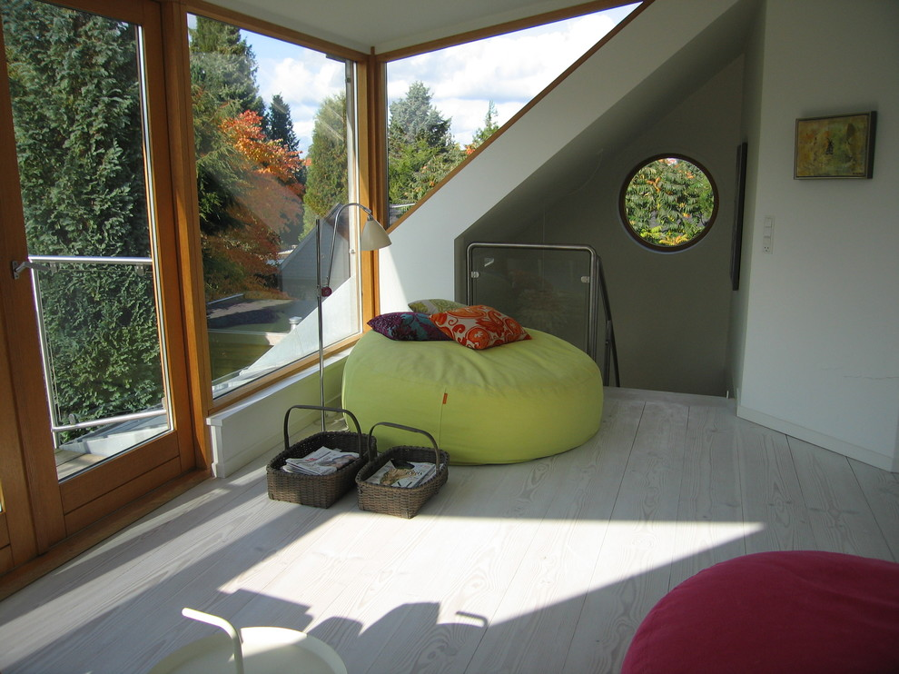 Stunning-Bean-Bag-Chairs-Decorating-Ideas-Gallery-in-Family-Room-Contemporary-design-ideas