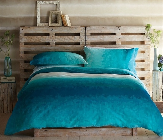 Wood-Pallet-Headboard-DIY