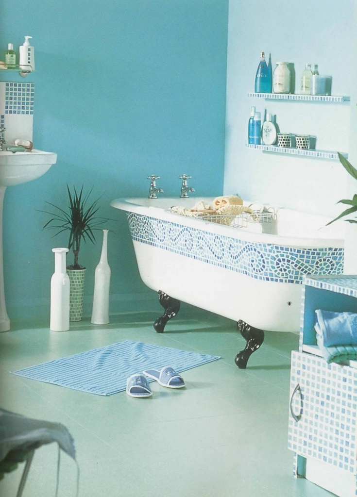 adorable-turquoise-bathroom-paint-colors-with-clawfoot-tub