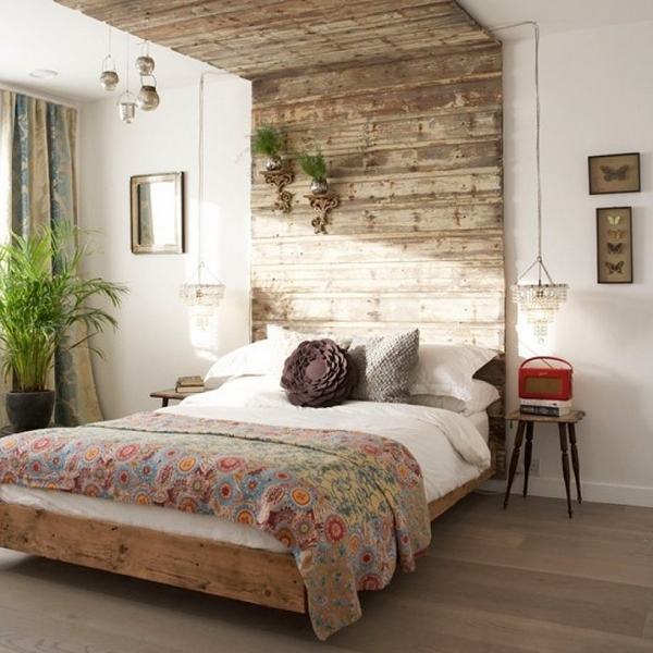 bedroom-decorating-ideas-wooden-pallet-headboard