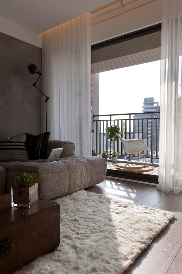 Beautiful Modern Living Room with Balcony