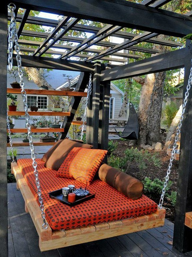 Creative Backyard Swing