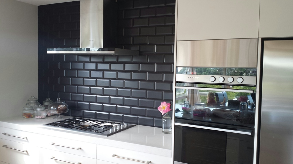 Zola_negro_kitchen_splashback