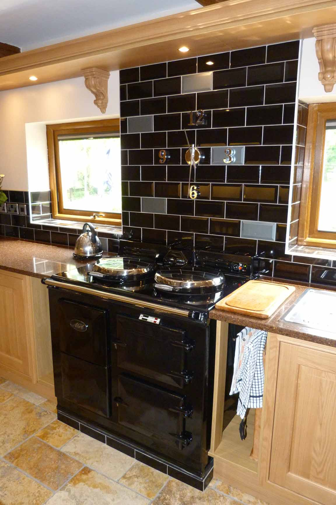 awesome-black-subway-tile-backsplash