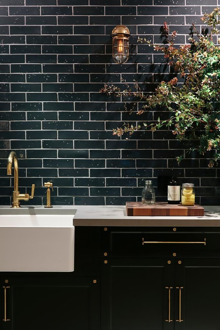 desiretoinspire-black-brass-industrial-luxe-kitchen