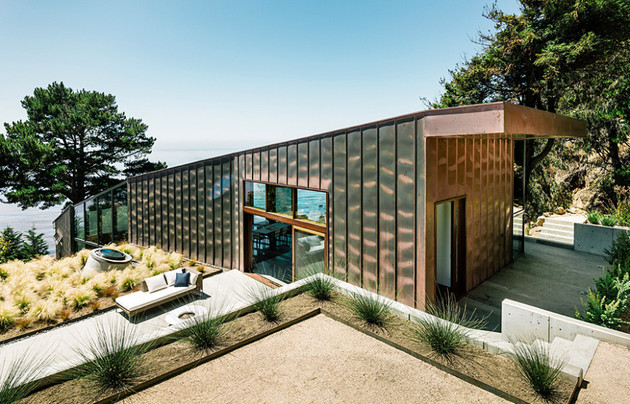 glass-and-copper-cliff-house-in-big-sur-california