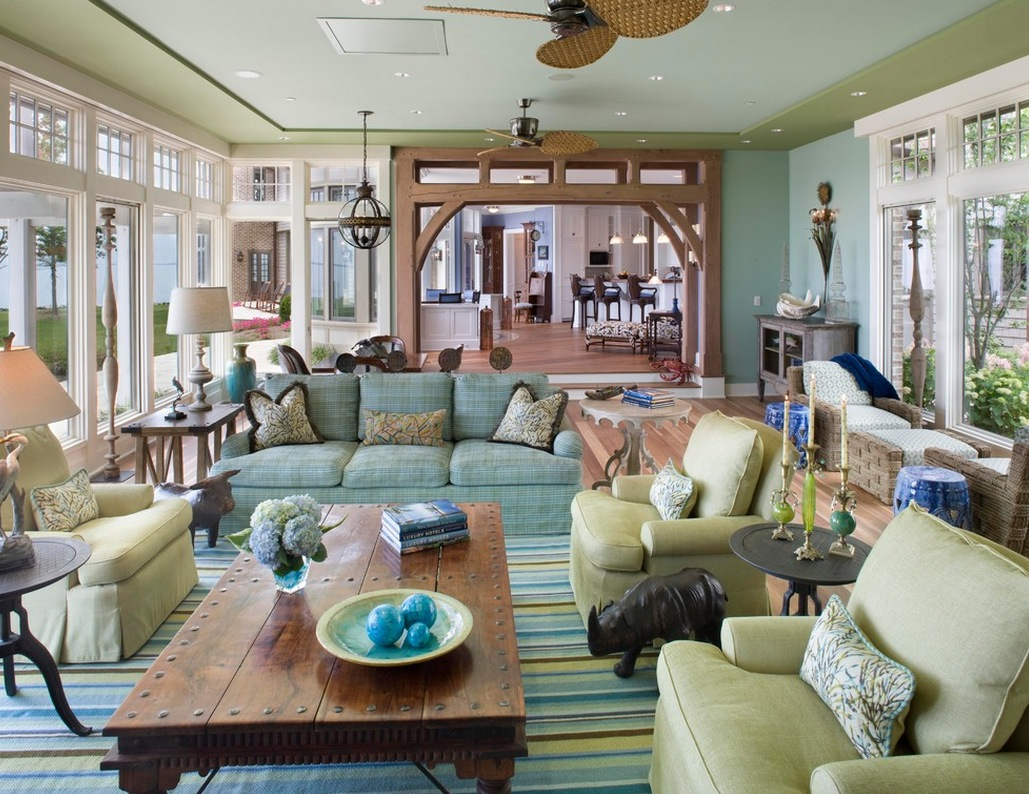 summer-color-family-room