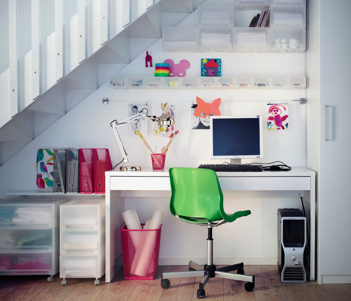 Desk with green chair