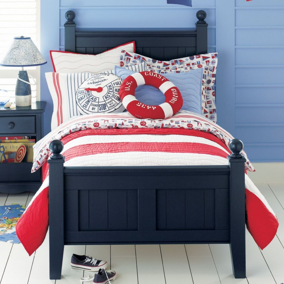 Small beach style bedroom with Blue Framed Bed Red White Stripe Quilt