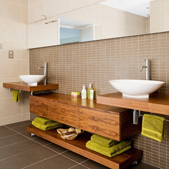 Stylish And Cozy Wooden Bathroom