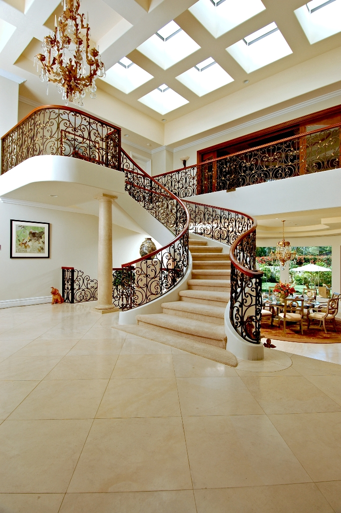 Luxury-Foyer-Decorating-And-Design-Ideas-16