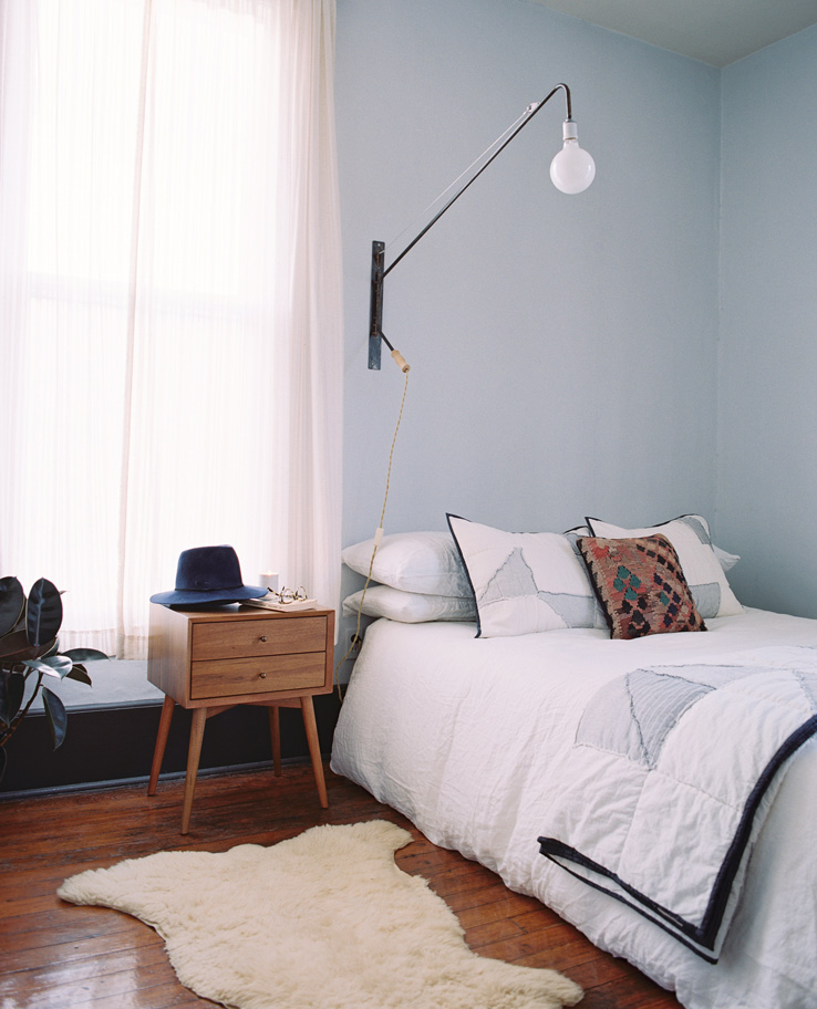 Mid-Century Decor Ideas for Bedroom