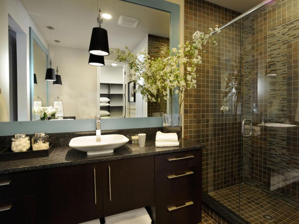 Modern Bathroom with an Earthy Stone Shower