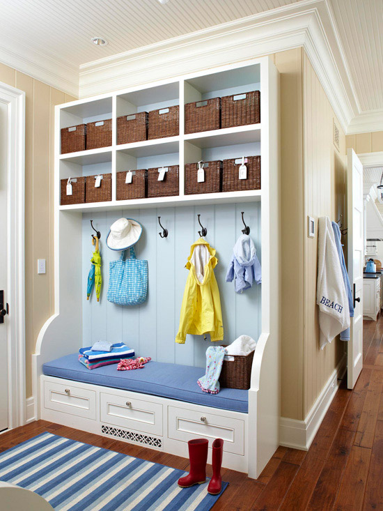 Modern-Mudroom-storage-bench