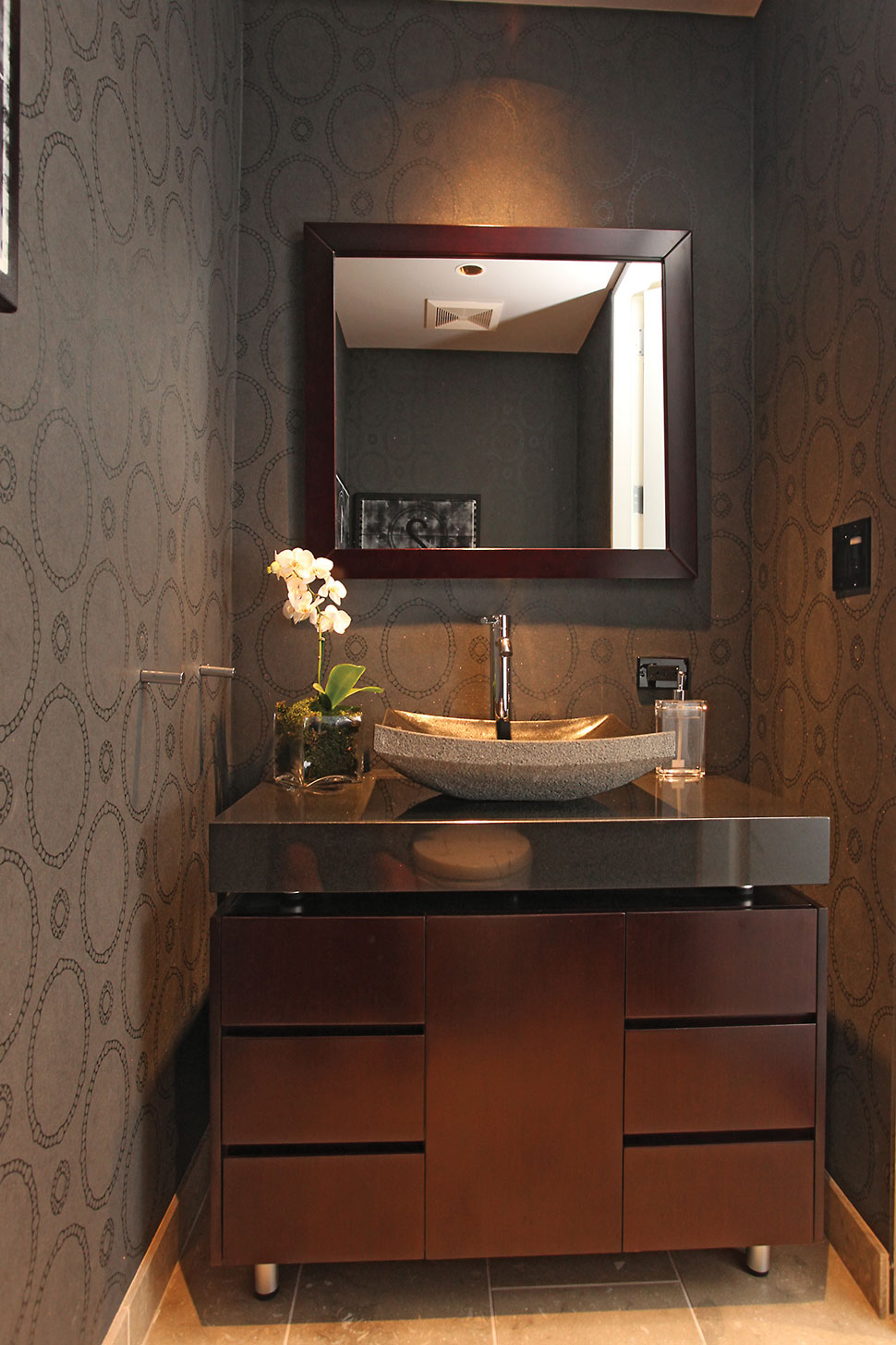 marvelous-luxury-powder-room