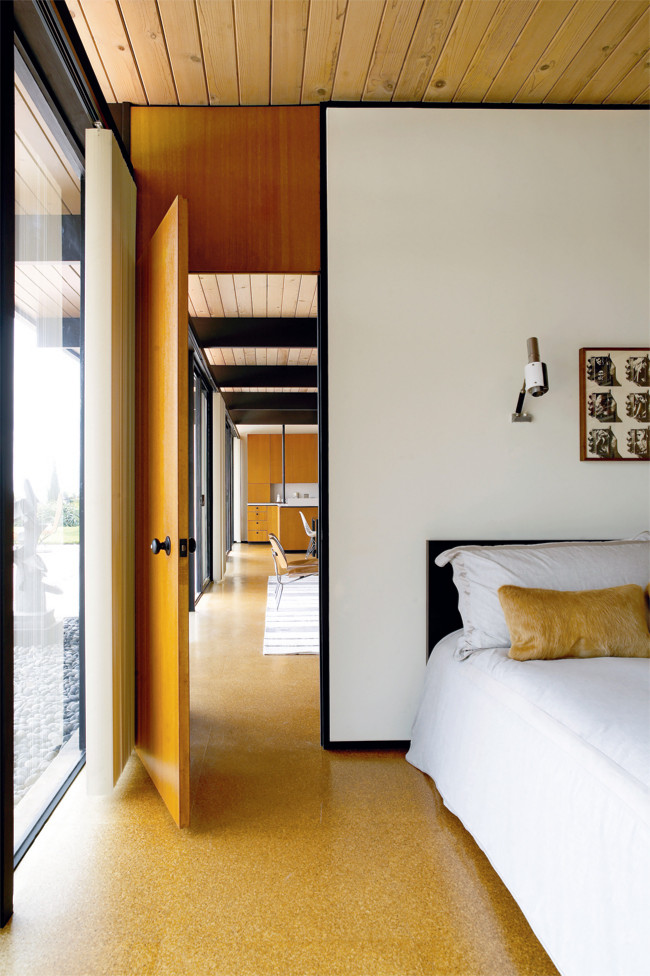 mid-century-modern-bedroom-interior-design