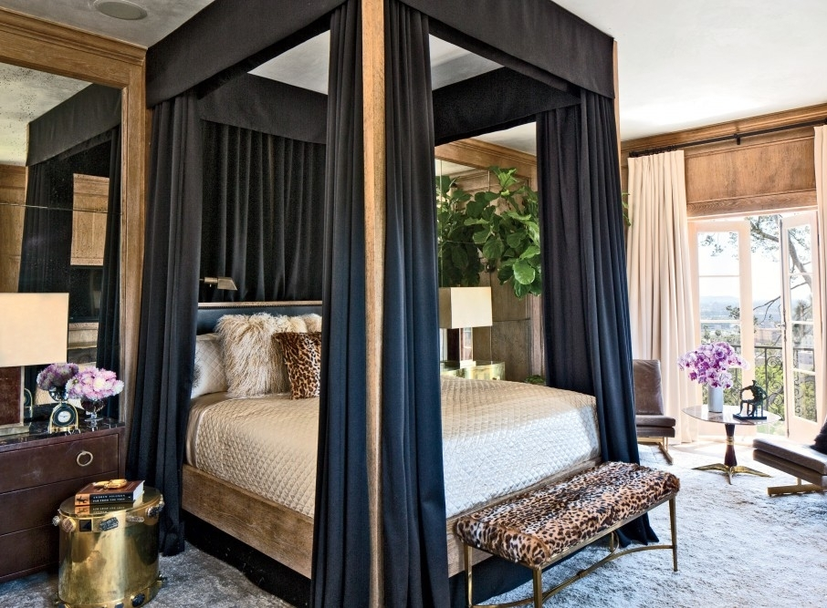 modern-bedroom-canopy bed