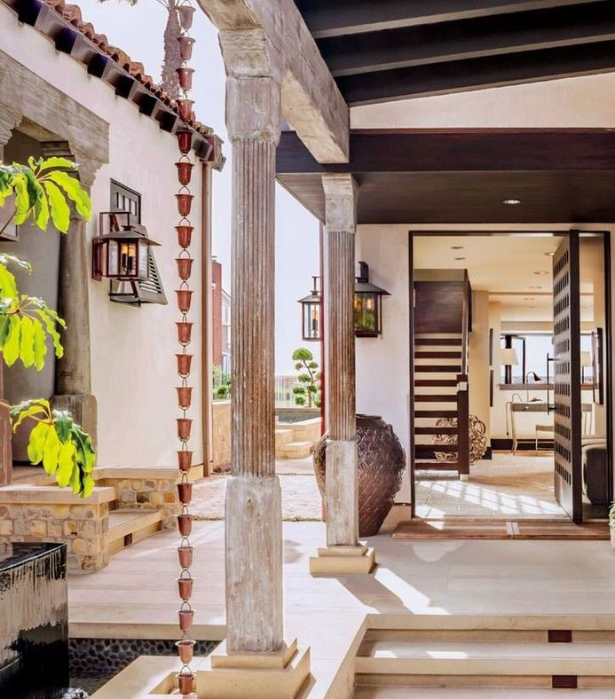 Eclectic, Entry Courtyards