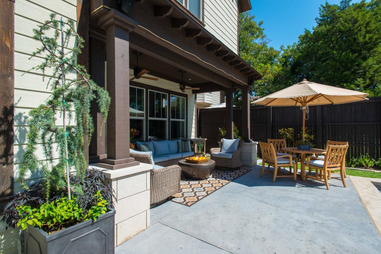 Eclectic Outdoor Living Area