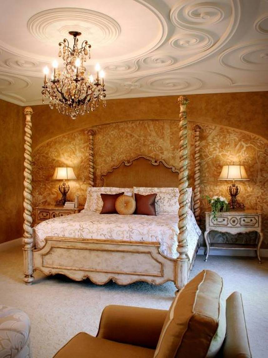 Master Bedroom Mediterranean Style With Detailed Ceiling