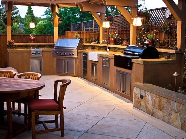 Outdoor Kitchen Design Ideas