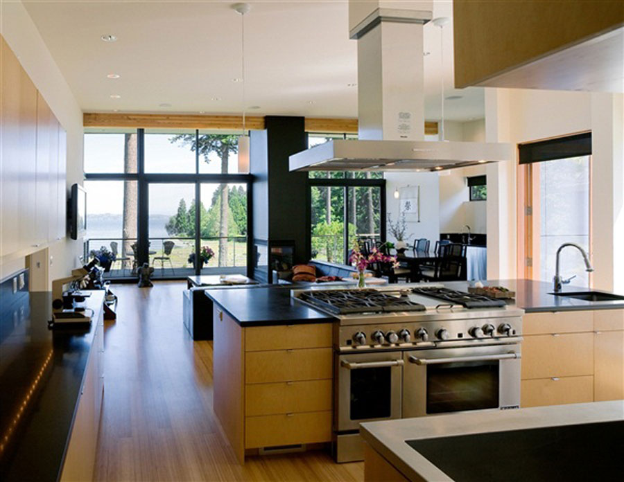 Relaxation-in-Zen-style-beach-house-kitchen