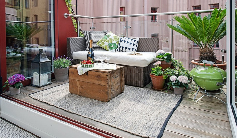 Urban-Apartment-with-Terrrace-charming-eclectic-terrace