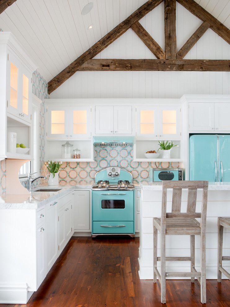beach-style-for-kitchen-with-turquoise-and-white