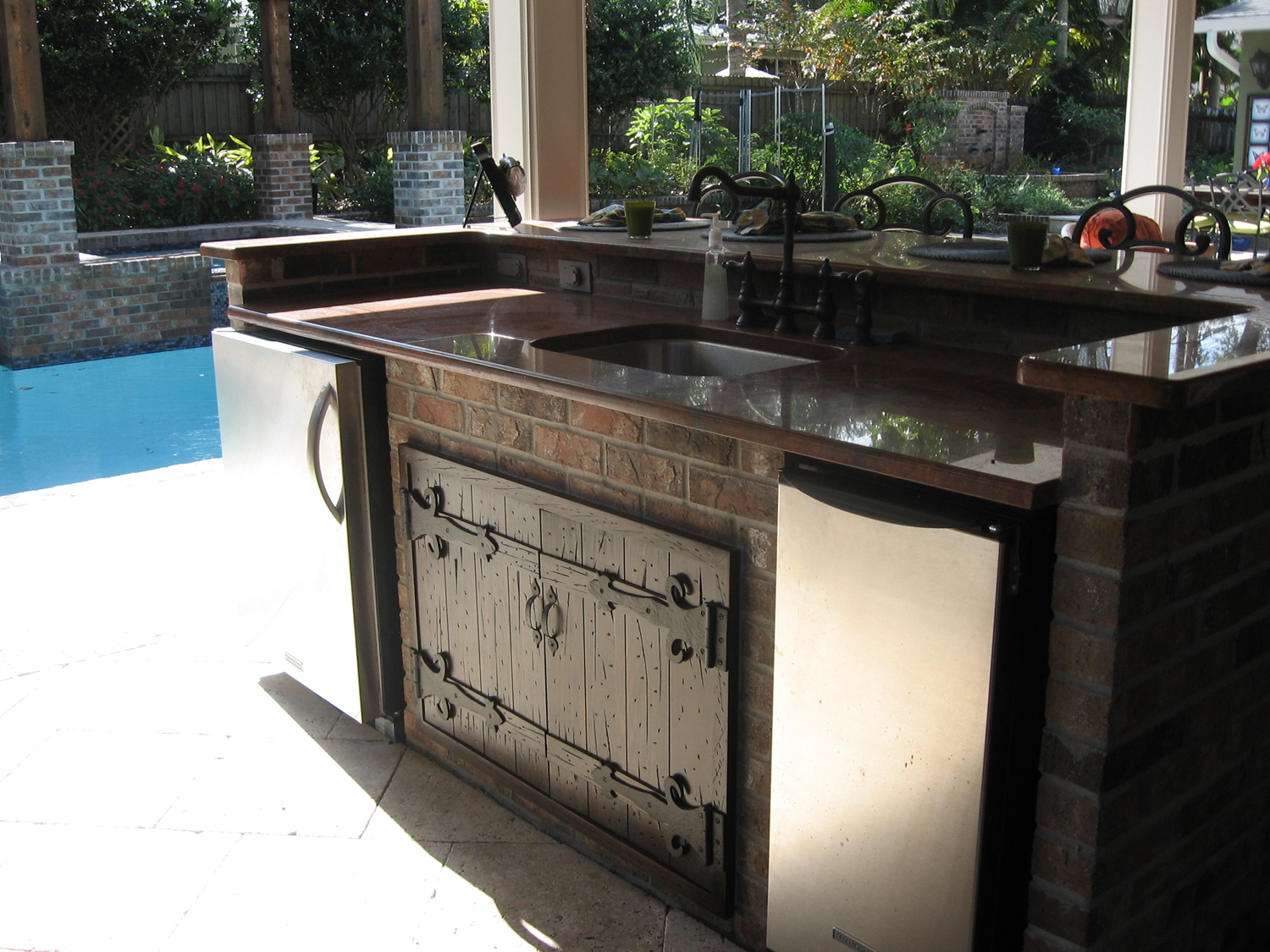 kitchen-doors-outdoor-kitchen