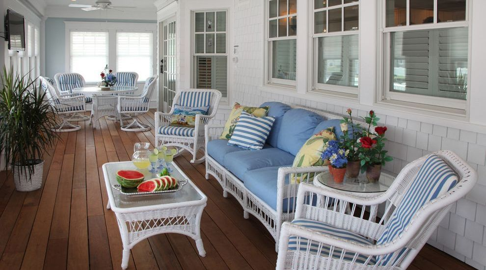 outdoor-white-wicker-furniture-on-sale-beach-style-porch