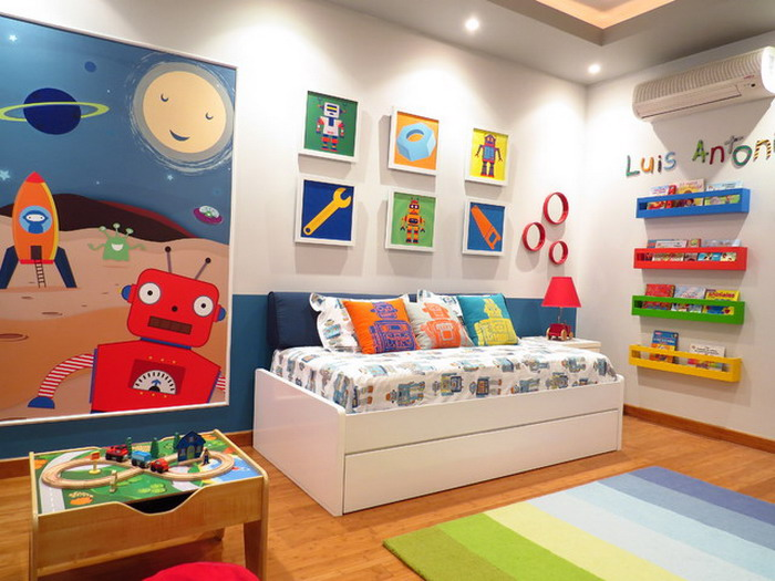 Colorful-Robots-Murals-in-Kids-Room