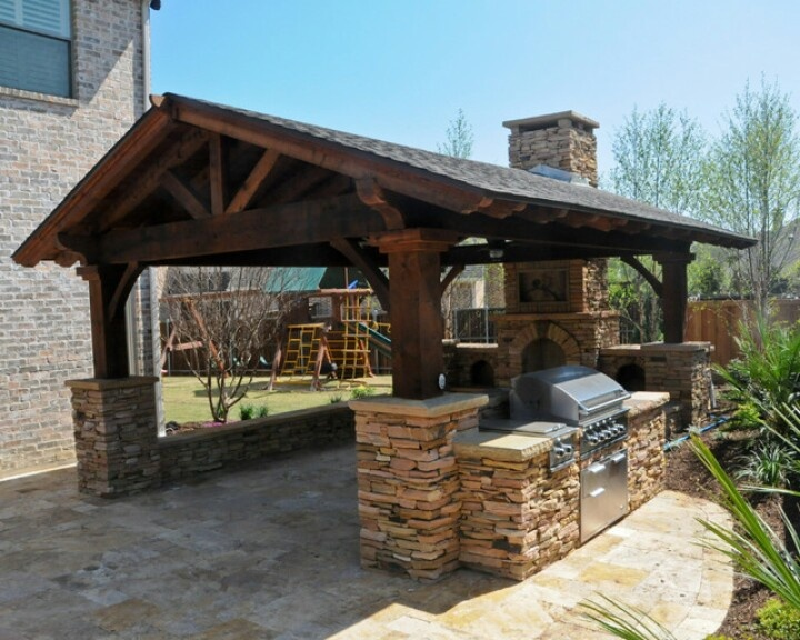 Rustic-Outdoor-Kitchen-Brick