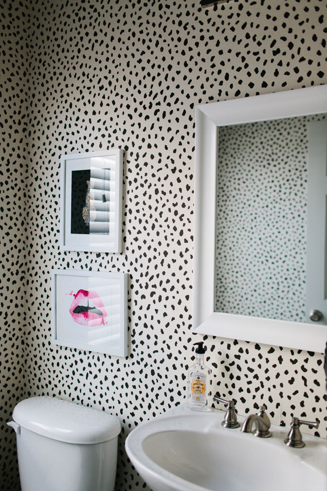 Leopard Print Bathroom Wallpaper
