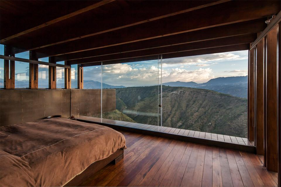 awesome-bedroom-with-a-view-4