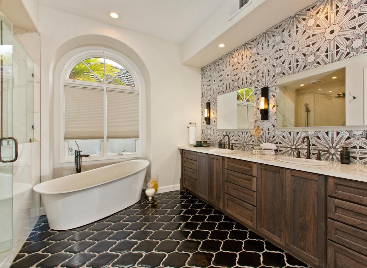 modern-luxury-master-bathroom-design-ideas-2