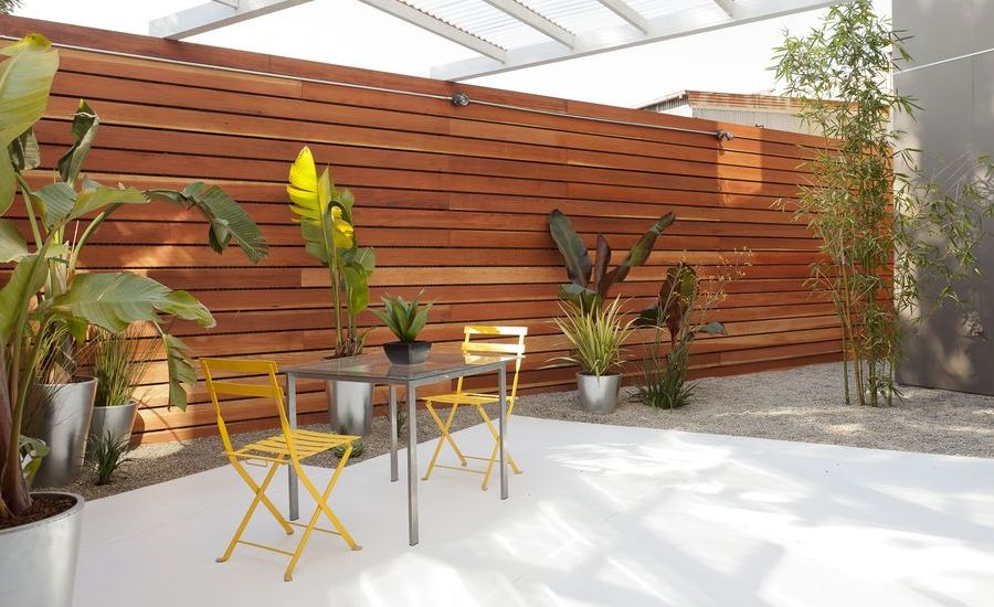 contemporary-patio-design-with-trellis
