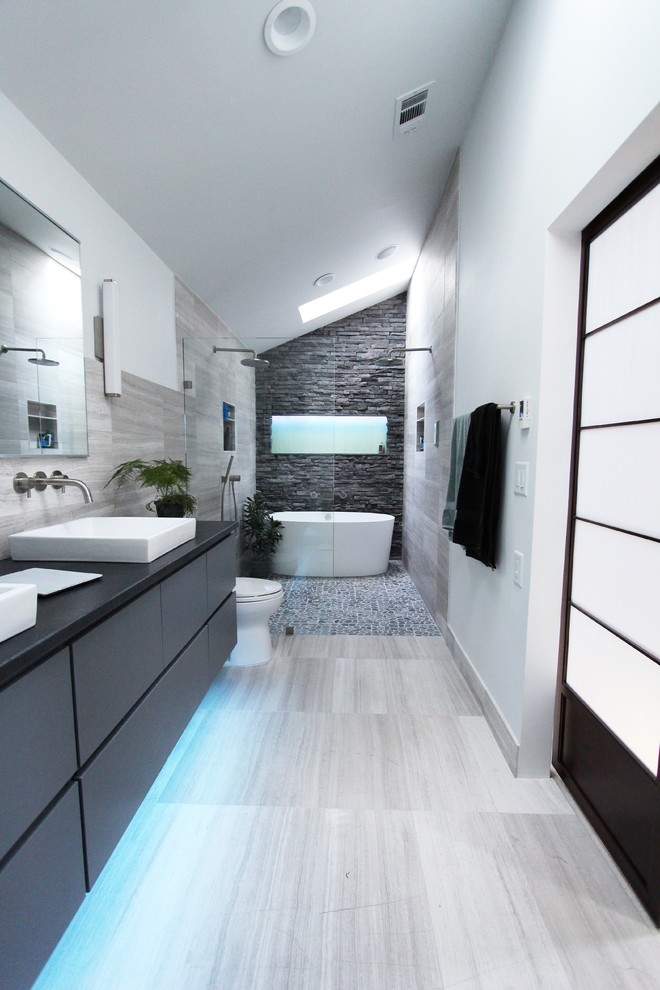 cool-gray-tome-bathroom-shower-design