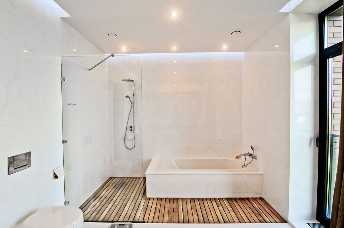 eco-inspired-shower-wood-floor-bathroom
