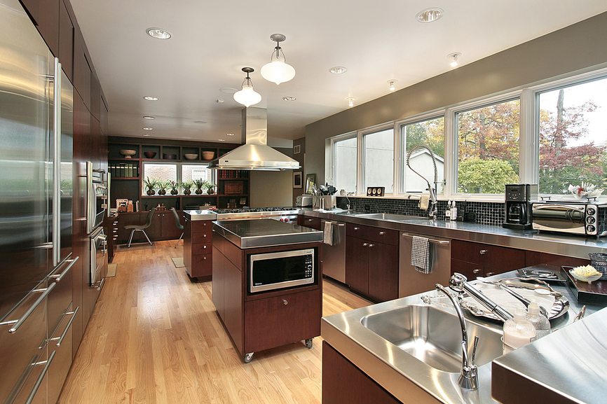 luxury-kitchen-stainless-steel-counter-top