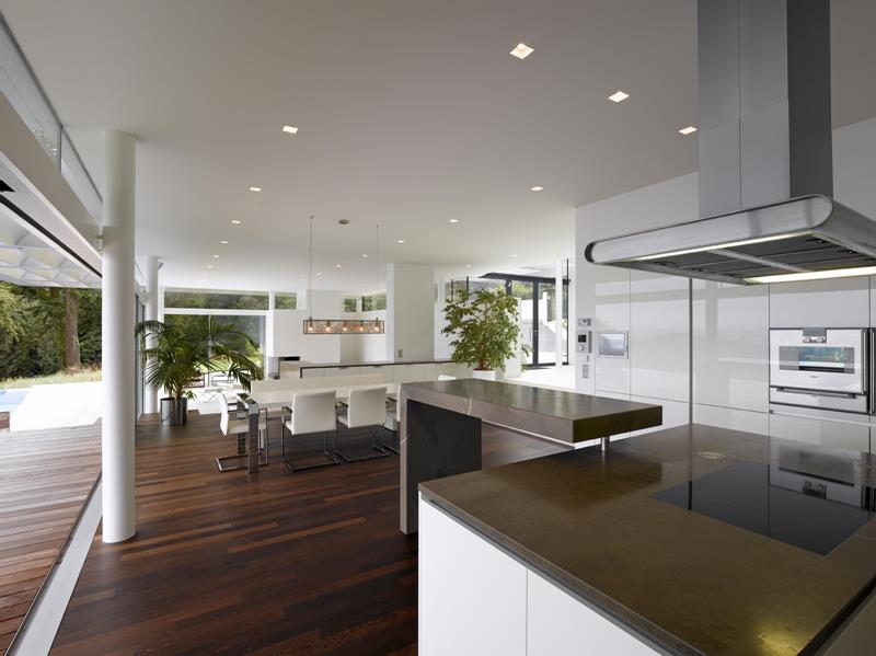 sleek-ultra-modern-luxurious-kitchen