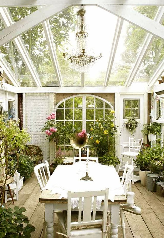 cottage-style-sunroom
