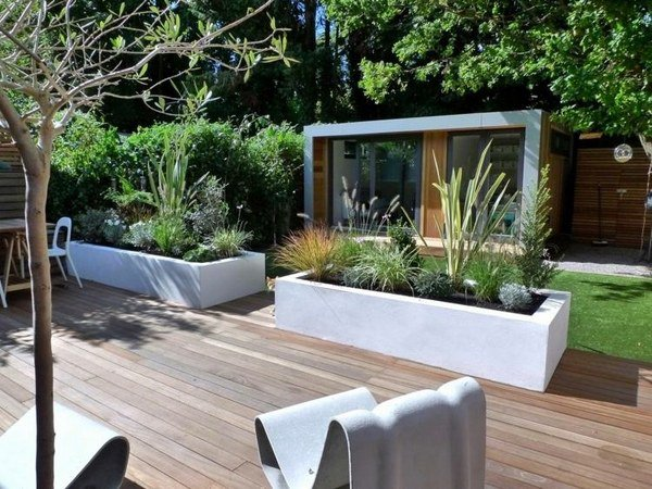 modern-patio-design-herb-garden