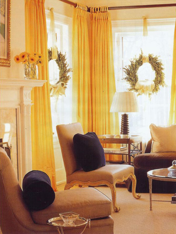 Living Room Wreaths Decor With a Bow & Ribbon