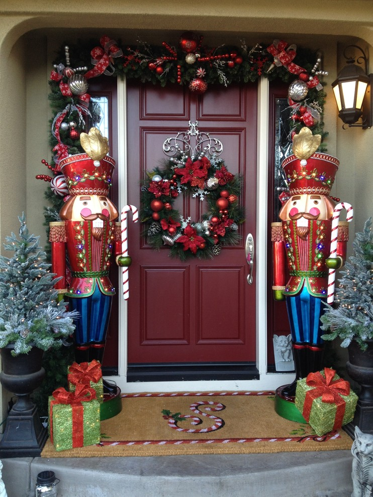 Traditional Front Entry Decor