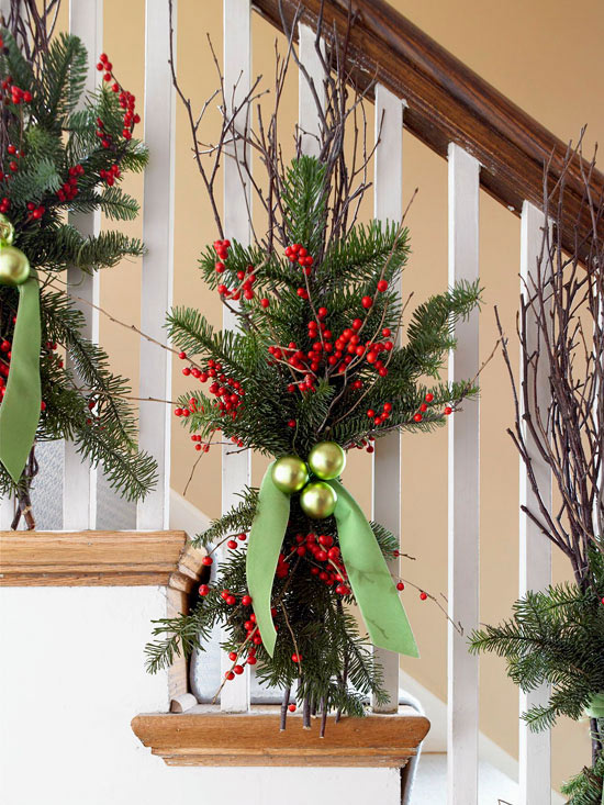 Christmas Decorating Ideas for Staircases Dwellingdecor