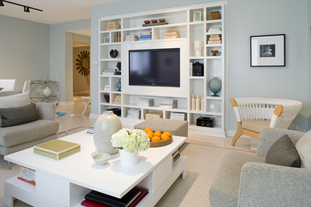 Large Transitional Enclosed Living Room